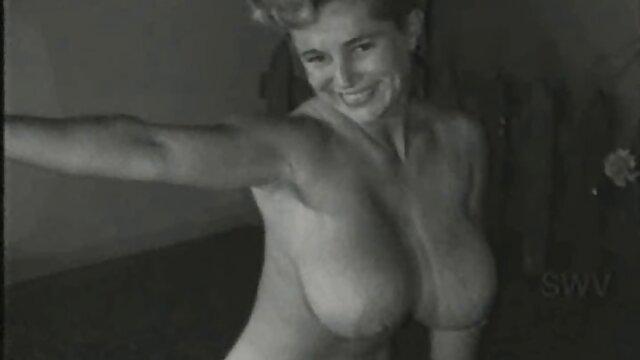 XXX कोई पंजीकरण  सेक्स शस्त्रागार में एमी प्रियंका की सेक्सी मूवी एंडरसन