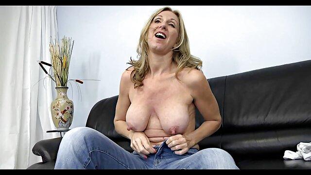 XXX कोई पंजीकरण  एमेच्योर गुदा नर्तकी सनी लियोन सेक्सी सेक्सी मूवी