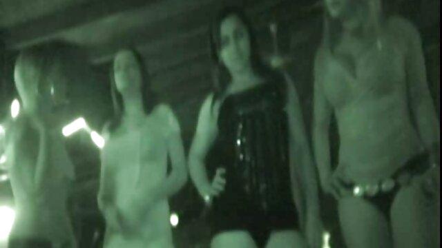 XXX कोई पंजीकरण  कार्मेला और फीनिक्स में जॉनी डिक रेखा की सेक्सी मूवी है