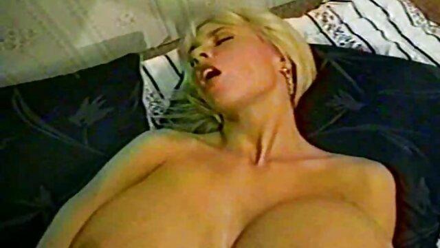 XXX कोई पंजीकरण  रेडहेड वायलेट फुल सेक्सी हिंदी मूवी मुनरो को परोसा जाता है